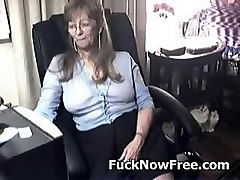Glasses, Ass, Granny surprised by her in law, Pornoxo.com