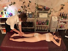 Massage, Oil, Ass, Shemale gets a oil massage, Nuvid.com