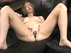 Mommy face fucks son till she cums in his mouth, Txxx.com